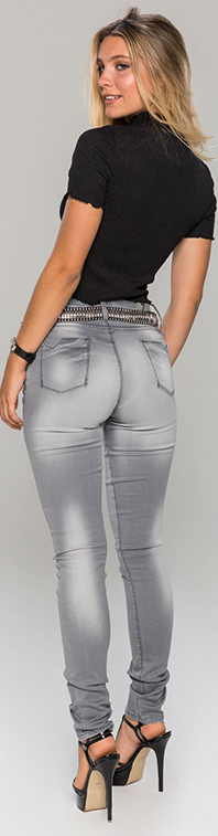 Vertical-Woman-ZE381-Feather-gray